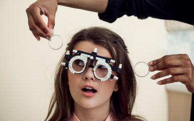 ¿Usar lentes empeora la vista?